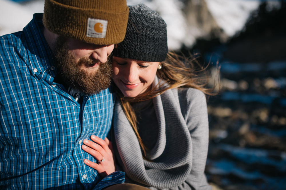 Winter engagement session // Colorado Engagement Photographer // Maddie Mae Photography