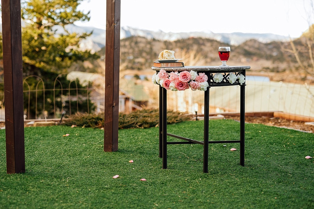 Having communion outside during my wedding ceremony would be such a nice touch. Estes Park is so beautiful! Photo by Maddie Mae Photography