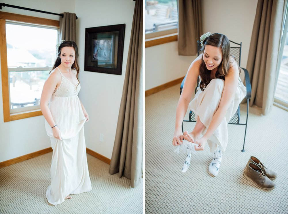 Her dress seems so comfortable and flowing. I love it with those boots. Photo by Maddie Mae Photography