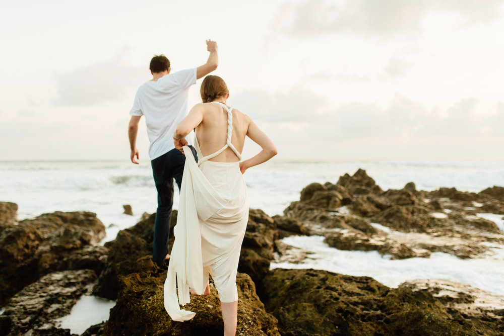 If these aren't the most breathtaking Costa Rica beach wedding photos I've ever seen I don't know what is!! Nicoya Peninsula is so magical for a destination elopement! | Destination wedding photography by intimate Costa Rica wedding photographer, Maddie Mae.