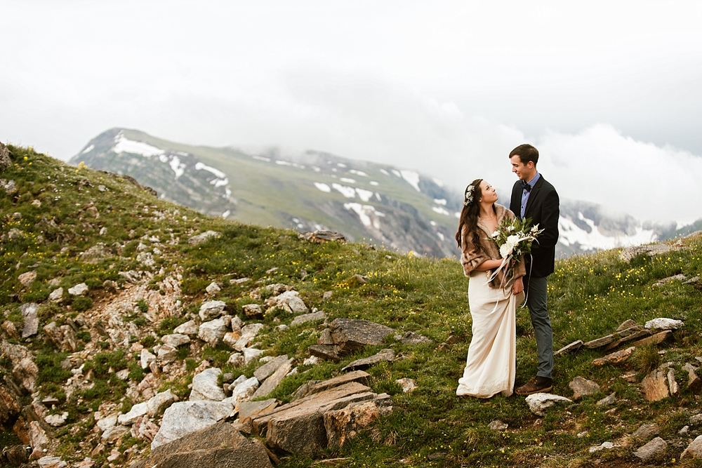 I can't get over how beautiful these mountain elopement photos are! I can't wait to get married on the alpine tundra on Trail Ridge Road  in Estes Park, Colorado! | Rocky Mountain National Park elopement photos by Colorado mountain wedding photographer, Maddie Mae.