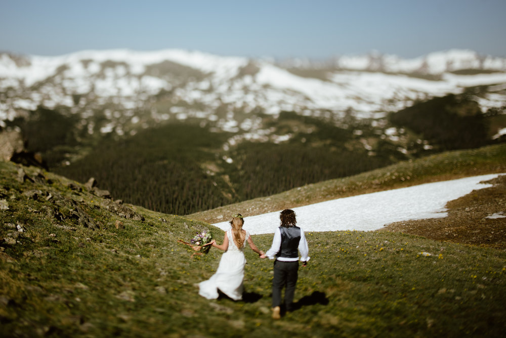 I am obsessing over this Rocky Mountain National Park elopement! Such a great Colorado elopement spot! | Mountain elopement photos by Colorado wedding photographer, Maddie Mae.
