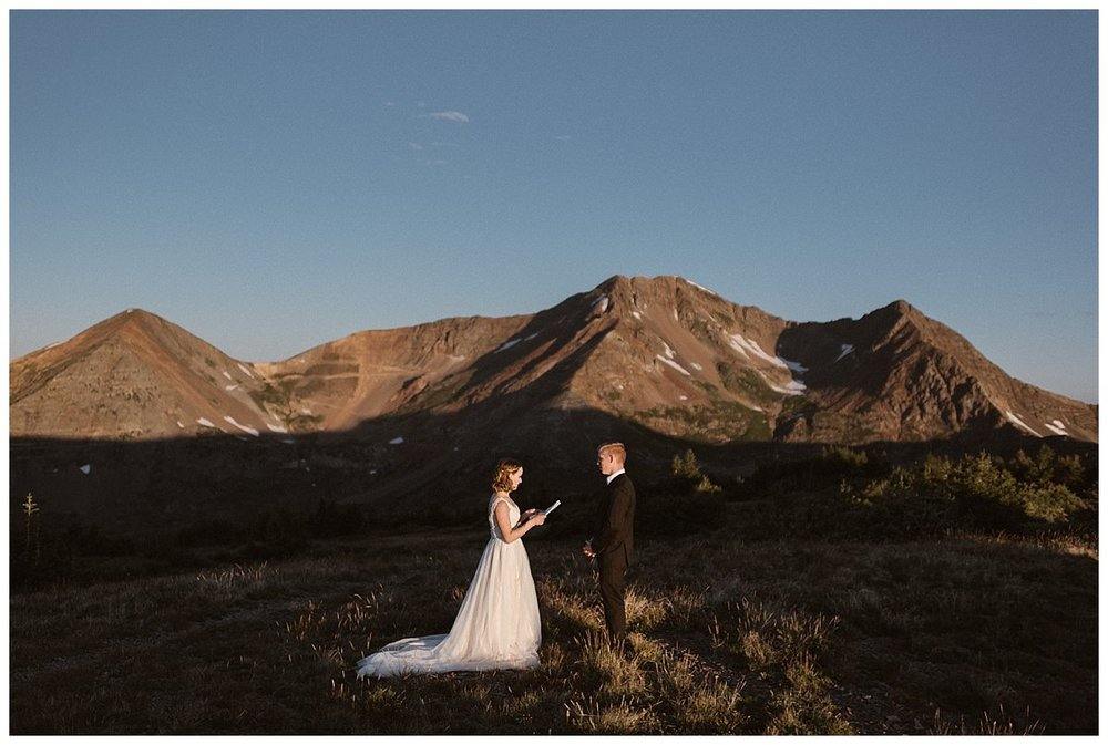 In the privacy of sunrise on Scarp Ridge near Crested Butte, Kourtney and Gabriel said their intimate wedding vows at their private elopement ceremony with only their traveling wedding photographer and Colorado native, Maddie Mae to capture each intimate moment.