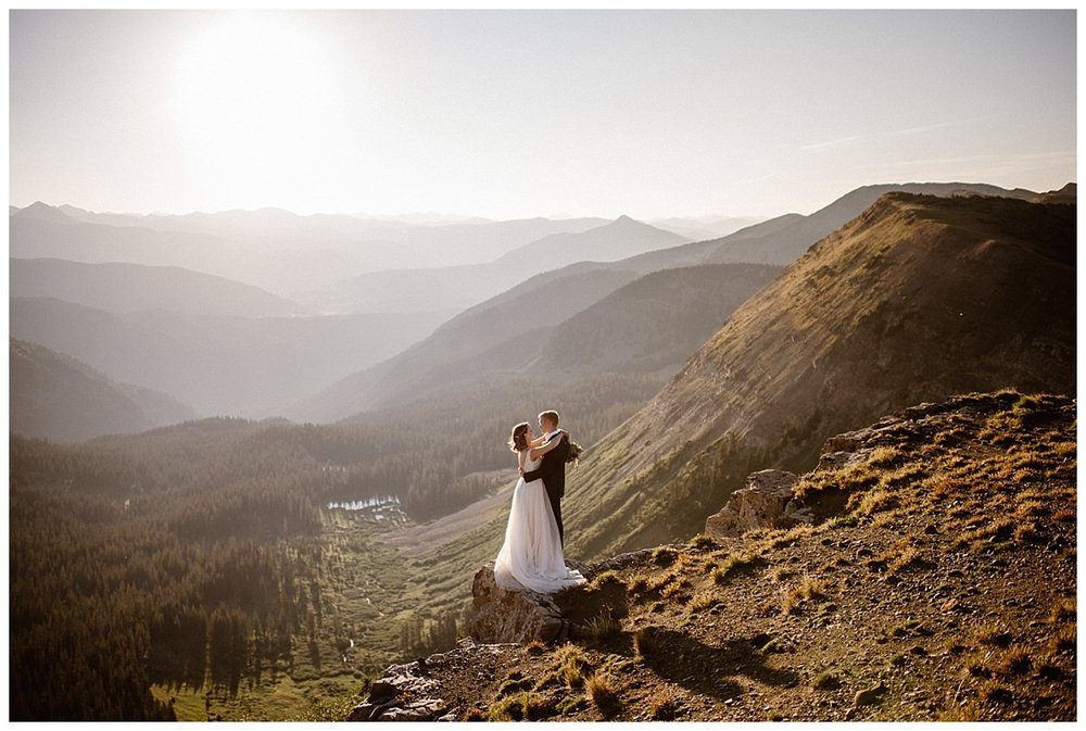 Some couples want to get married in a church with all kinds of planning and tradition. Some couples, like Kourtney and Gabriel want a ceremony that truly reflects their relationship, adventurous, intimate and epic. Photos of this Scarp Ridge elopement by intimate wedding photographer Maddie Mae.