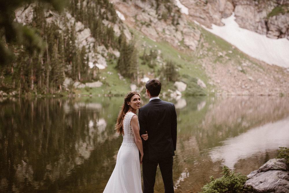 colorado-elopement-photographer-maddie-mae-adventure-wedding-photographer-intimate-wedding-photographer-adventurous-elopement-locations-40.jpg