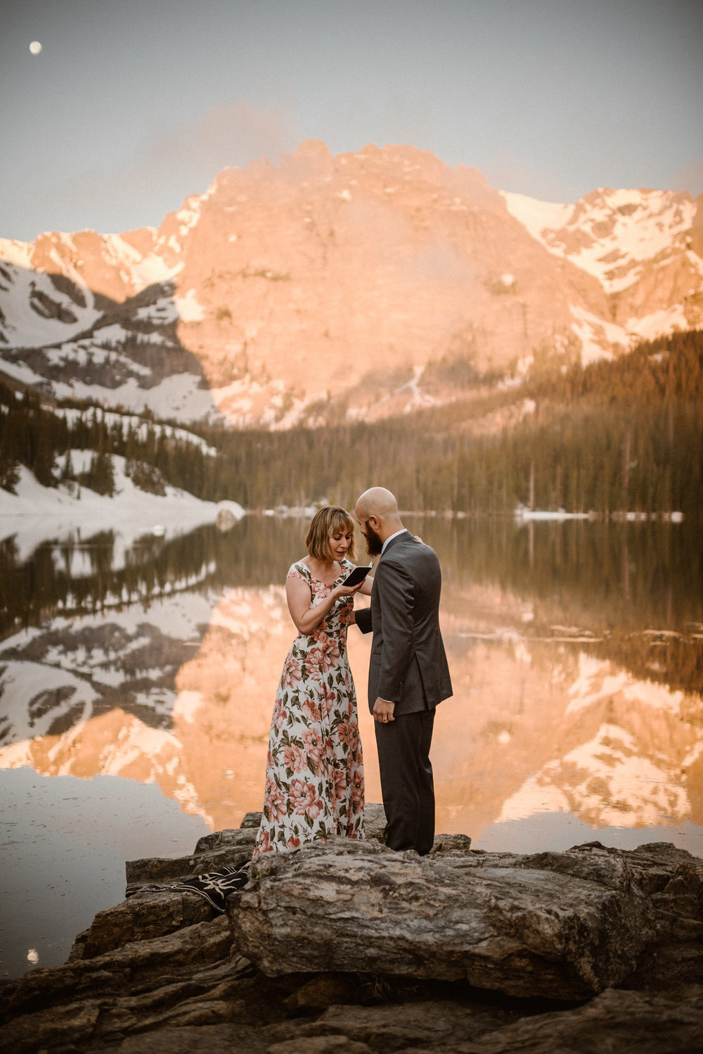 We might be bias since part of our team is based in Colorado but we think Colorado elopements are a dream! To help you plan your Colorado elopement ceremony, or an elopement anywhere in the world, we've put together this list of resources for how to find the perfect elopement location. Photo by Adventure Instead, Maddie Mae, Destination Wedding Elopement Photographers.