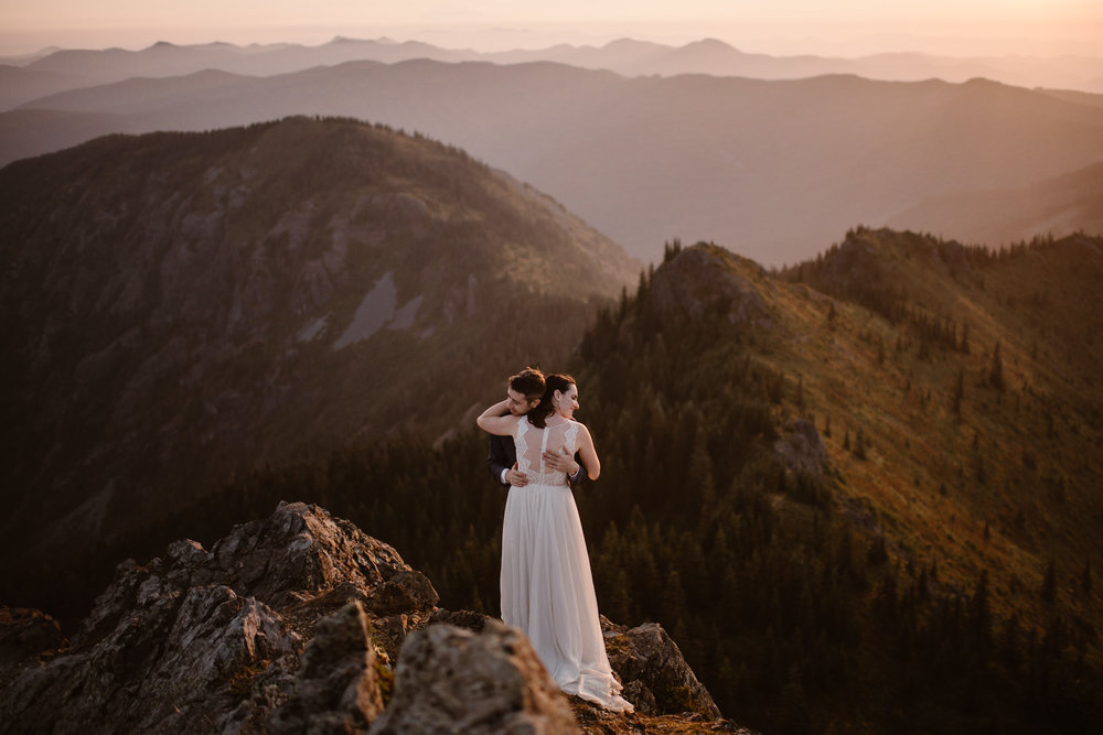 Planning an elopement in Washington and the Pacific Northwest? There's many beautiful locations to elope in the PNW. We've helped hundreds of couples plan elopements all over the world. Here are our tips for finding the best elopement location. Photo by Adventure Instead, Maddie Mae, Destination Wedding Elopement Photographers.