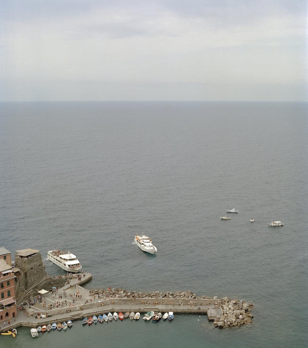 boat_entering.jpg