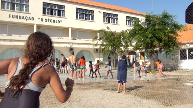 The Foundation oSeculo is an orphanage and a hostel providing social support to youth, Turismo do Seculo provides affordable accommodation, just a 20-minute drive from the Lisbon city centre.