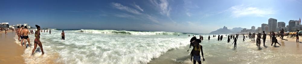 Ipanema es una playa llena de vida.