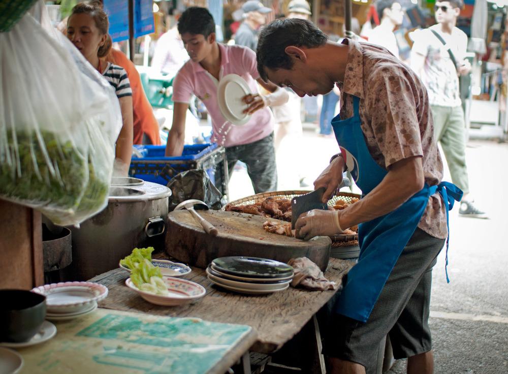 Bangkok es el paraíso del streetfood, y Chatuchak no iba a ser diferente. Si no somos muy escrupulosos con la higiene podremos disfrutar de la comida más auténtica de la ciudad realmente deliciosa