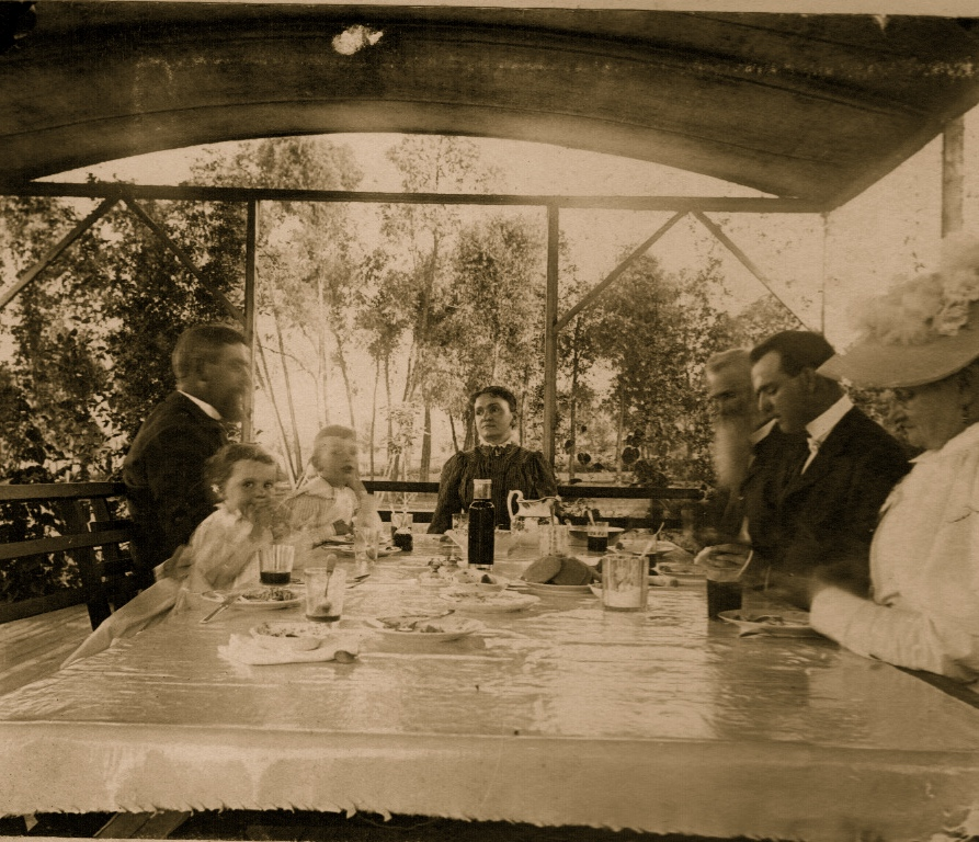 Stock - Florentine, Chauncey, Sr., Jr., Louise, Father, Fred, Mother.jpg
