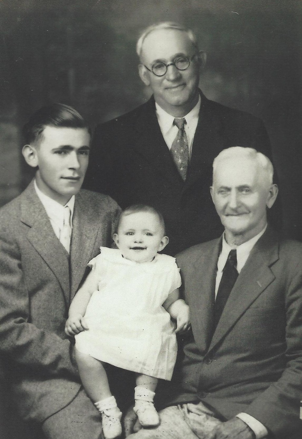 tom, Cherie, Chester and Erford Brown in 1935 or 1936
