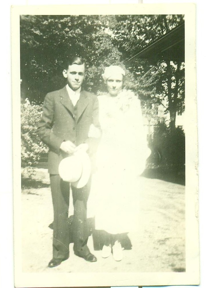 Tom and Jean Bay Brown on their wedding day