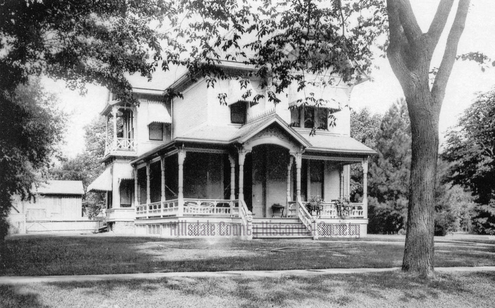 the Walter hume and Elizabeth mitchell Sawyer home next to the mitchell home and later the mitchell Public Library was demolished to build Gray and White Chevrolet. the site later became the hillsdale community library.