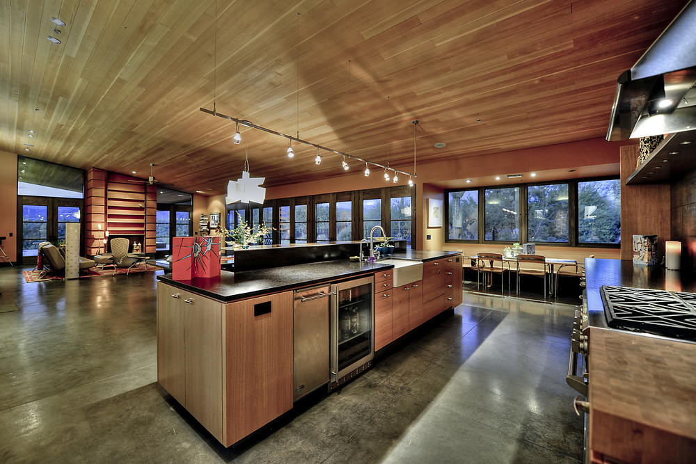 Kitchen-Casual Dining.jpg