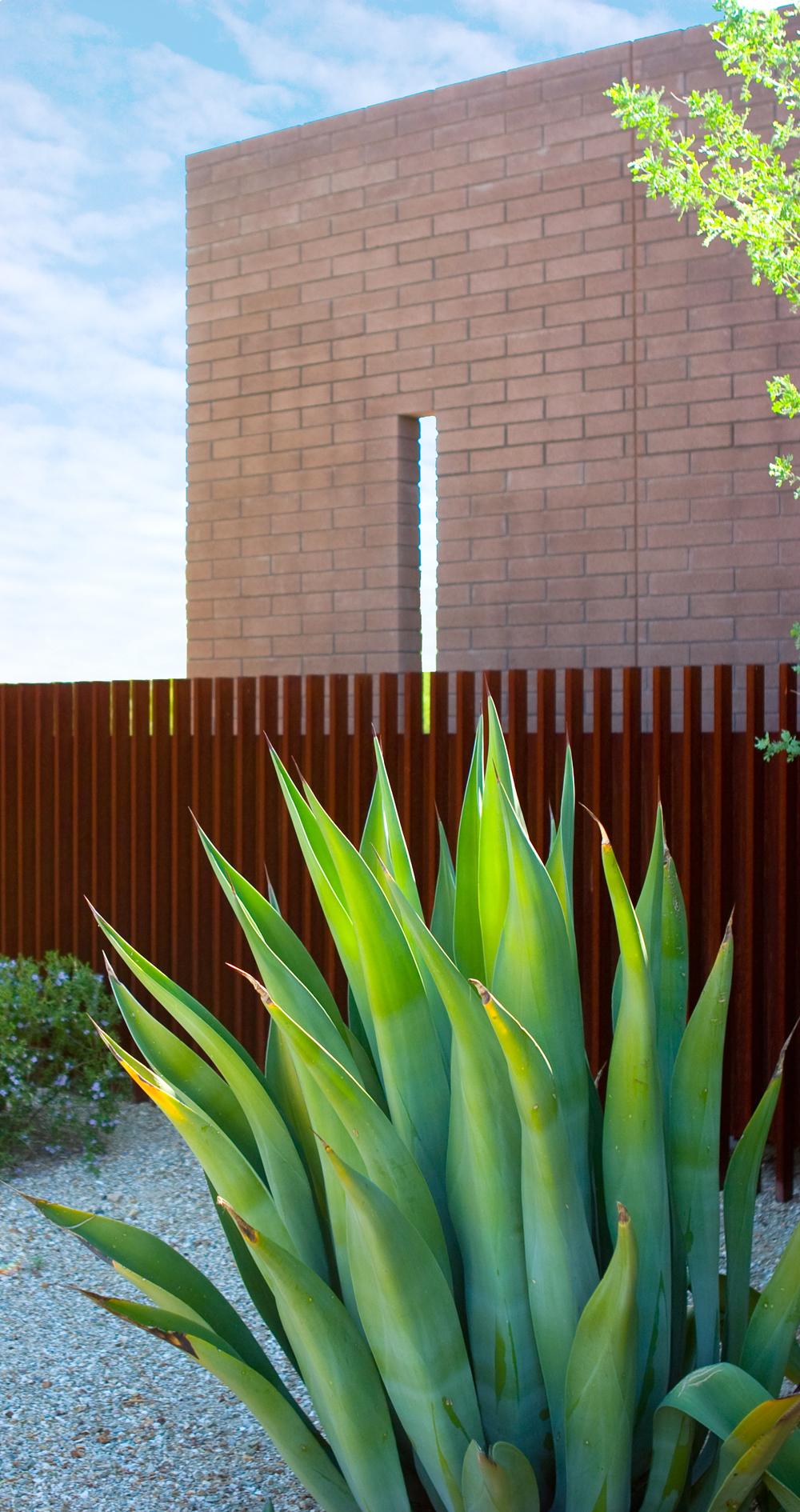 steel fencing.jpg