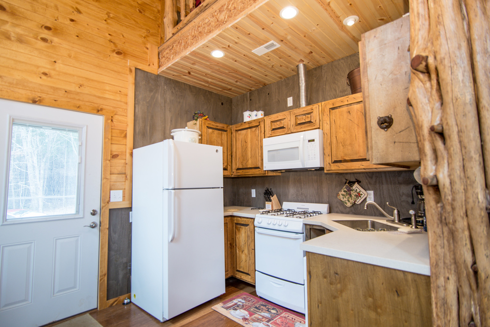 Hopewell Croft Kitchen - Adams County Cabin Rental