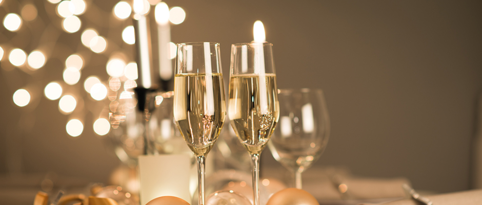 web---2015-new-years-eve-party-table---champagne-flute-ribbon.jpeg.jpeg.png