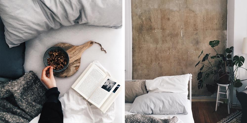 Im Bett liegen, mit Walnüssen und Fotolektüre.                                Musik hören und die fertige Wand genießen. 🎧 Sufjan Stevens - No Shade In The                                                                           Shadow Of The Cross