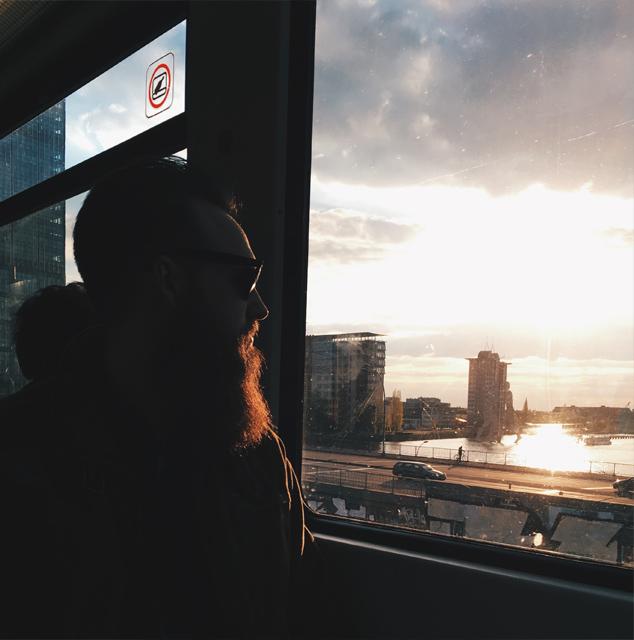 Am liebsten bei Sonnenuntergang in der Ringbahn sitzen.