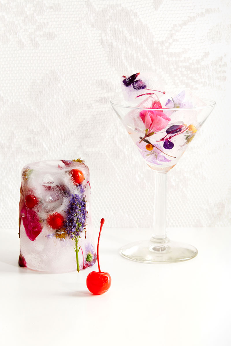 Kahlo-Cocktails_martini_flower-ice-cubes_cherry-b.jpg