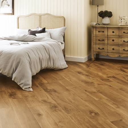 karndean VGW53T_Wellington-Oak_RS_Res_Bedroom_Image.jpg