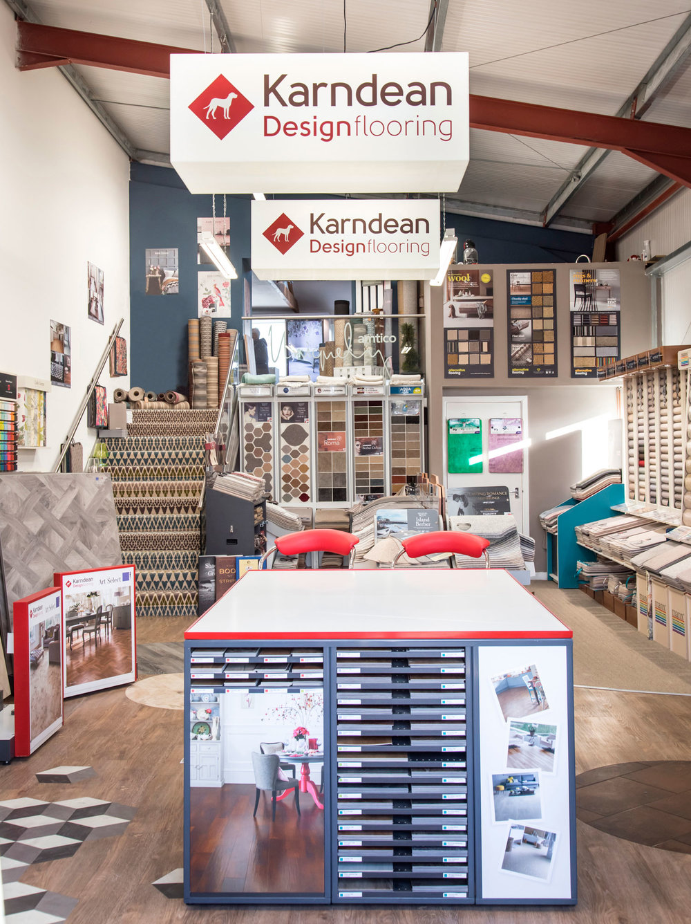 Platinum Retailer - Whether you're after a simple stone effect or a sophisticated wood pattern, Karndean has thousands of combinations of styles, colours, tones, textures, and decoration for you to choose from.
