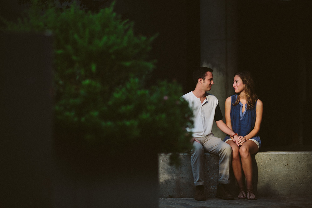 Downtown Austin 2nd Street Engagement Session | Lisa Woods Photography