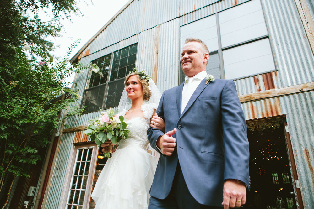 Bride and Groom at Vista West Ranch Barn Wedding | | Lisa Woods Photography