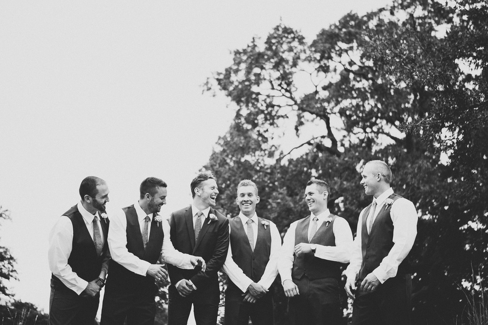 Groomsmen and Groom | Lisa Woods Photography