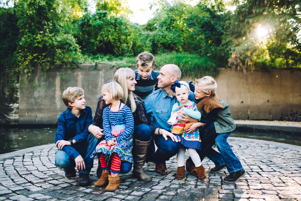 Family of Seven | Houston Fall Holiday Portraits | Lisa Woods Photography