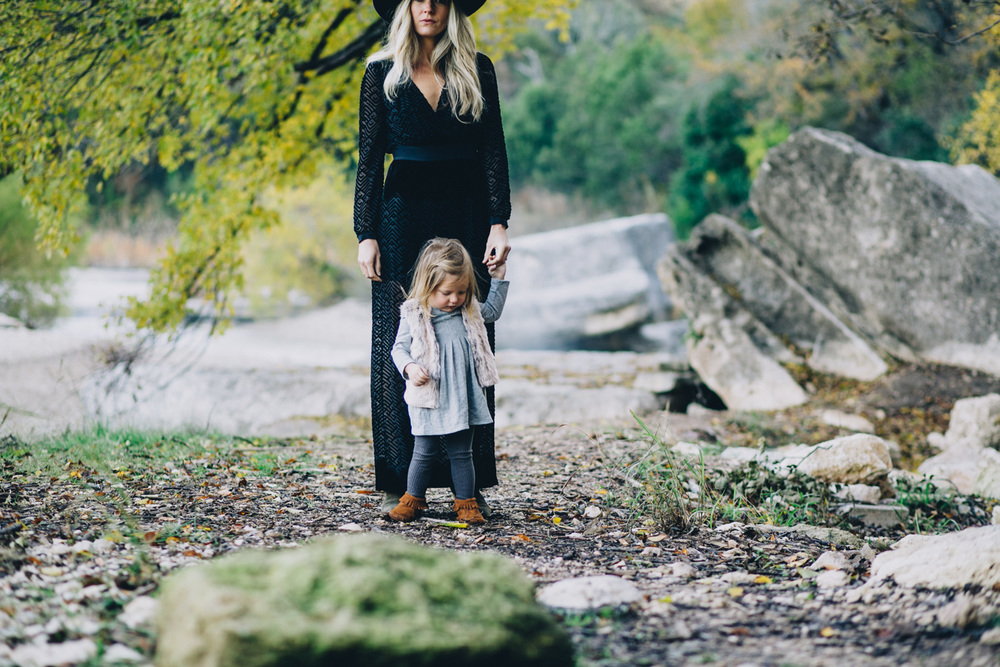 Stylish Mother & Daughter | Fall Portraits | Lisa Woods Photography