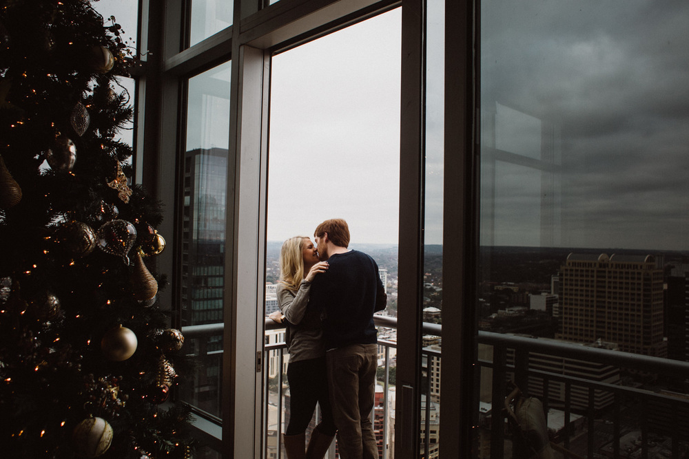 Christmas Engagement Session | Austin Texas | Lisa Woods Photography