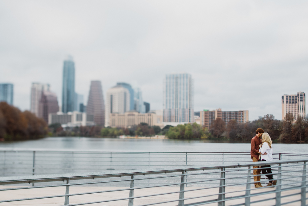 Austin Lady Bird Lake Boardwalk Engagement Session | Lisa Woods Photography
