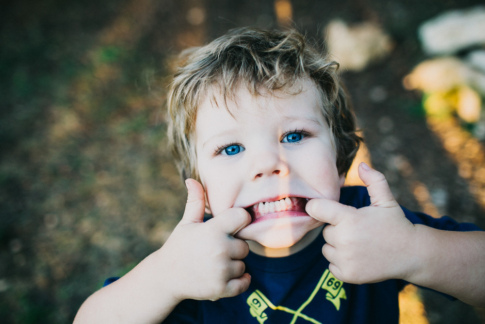Goofy Silly Face | Little Boy | Family Session | Lisa Woods Photography