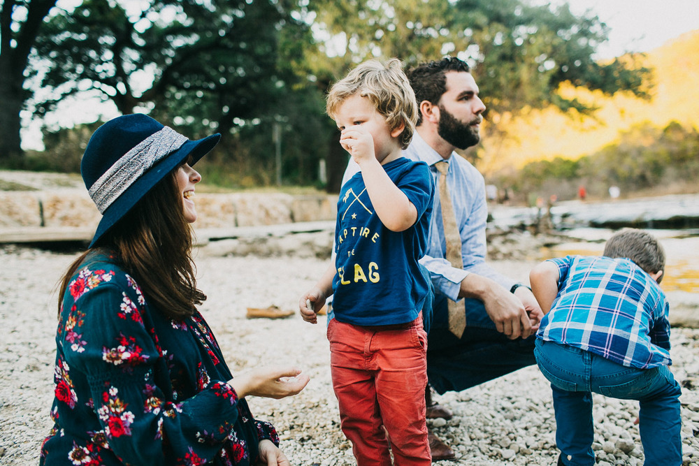 Stylish Family Portraits at Bull Creek in Austin Texas | Lisa Woods Photography