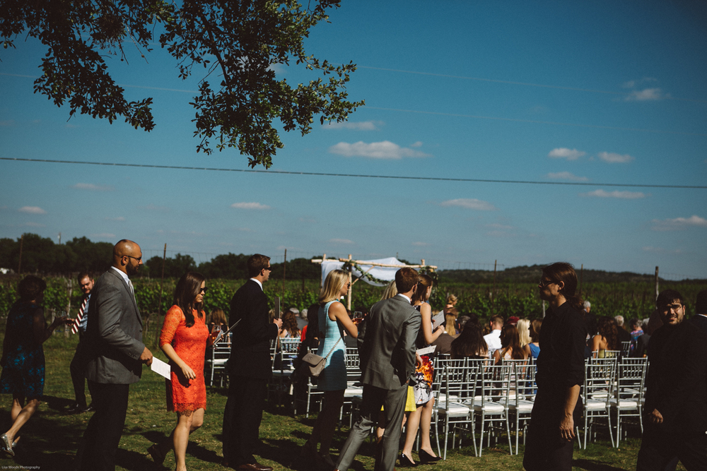 spicewood vineyards wedding-13.jpg