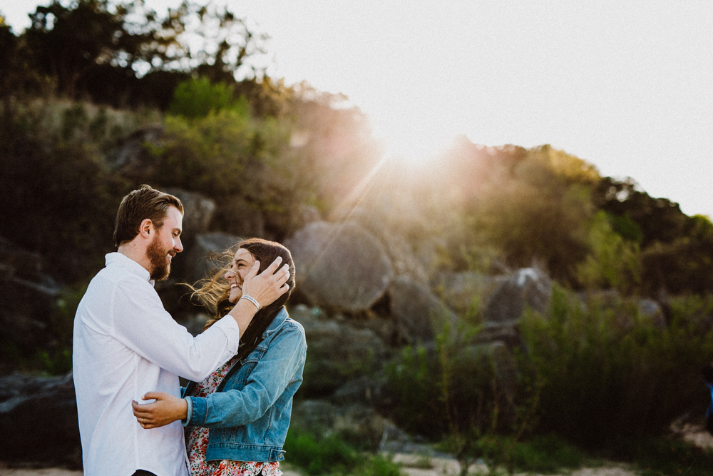 engagement session at pedernales falls