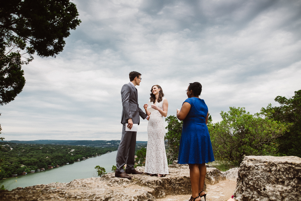 elopement at mt. bonnell