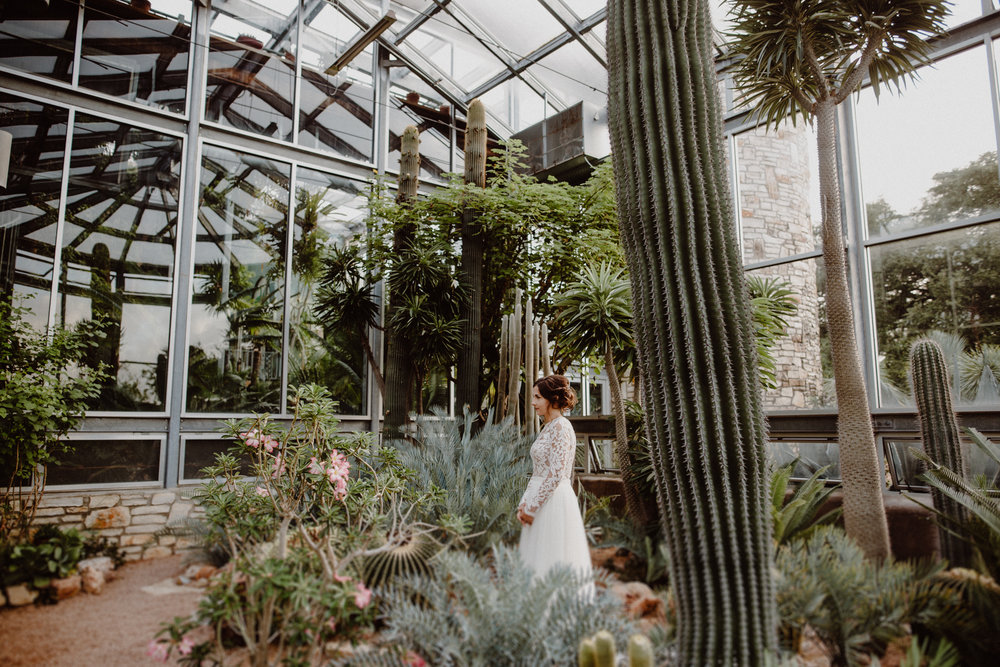 greenhouse-at-driftwood-bridals-emily-99.jpg