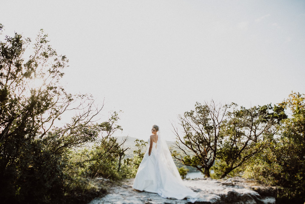 bride at mt bonnell in austin