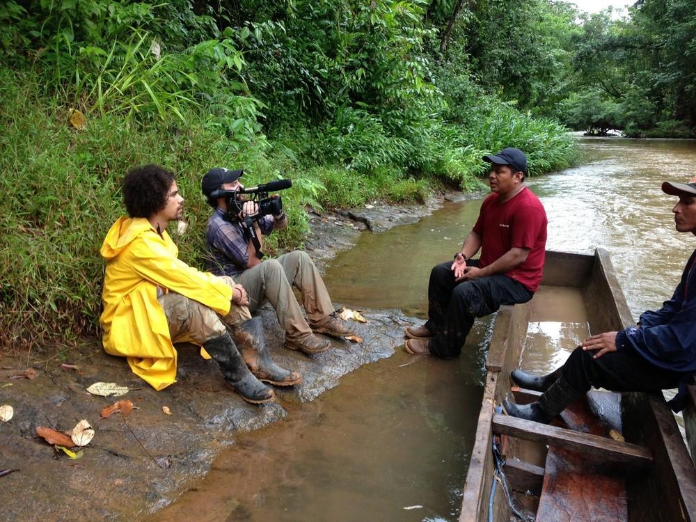 Filmando entrevista a indígenas Mayangnas en Bosawas.