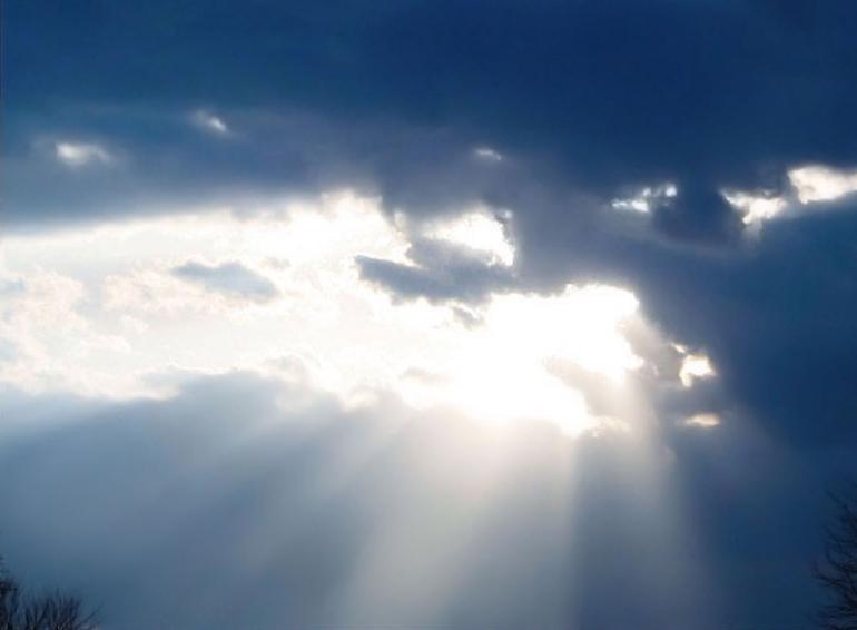Beam_from_Heaven_-_panoramio.jpg