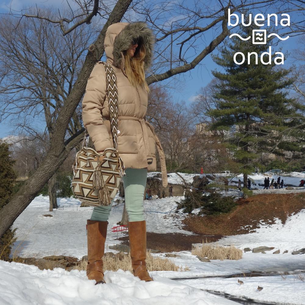 Lauren Rocks a Buena Onda Mochila