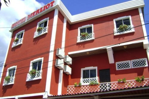 Hotel Merliot    Phone  :  +503 2278 4417   Price:  $50+ per night