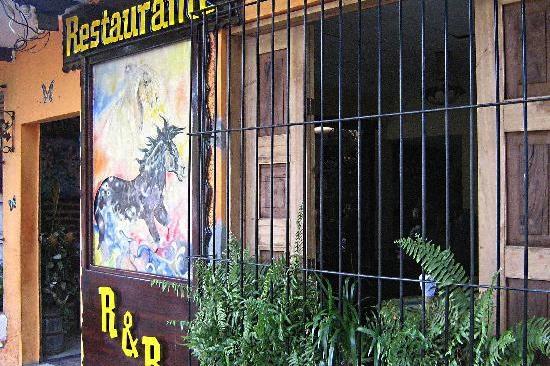 Restaurant R & R     Address:  Calle Mercedes Poniente 1-2, Juayúa, El Salvador