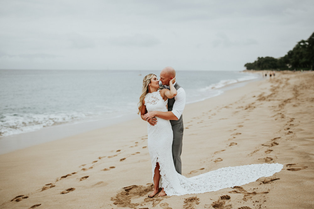 destination-wedding-photographer-hawaii-maui-elopement-44.jpg