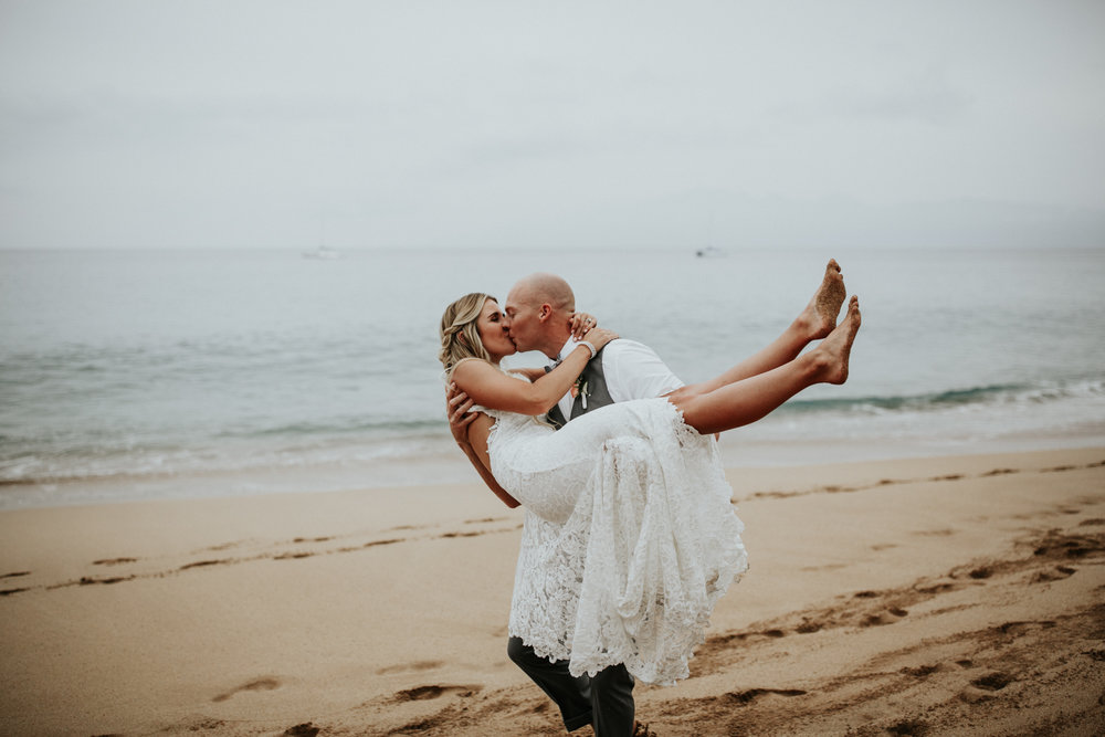 destination-wedding-photographer-hawaii-maui-elopement-92.jpg