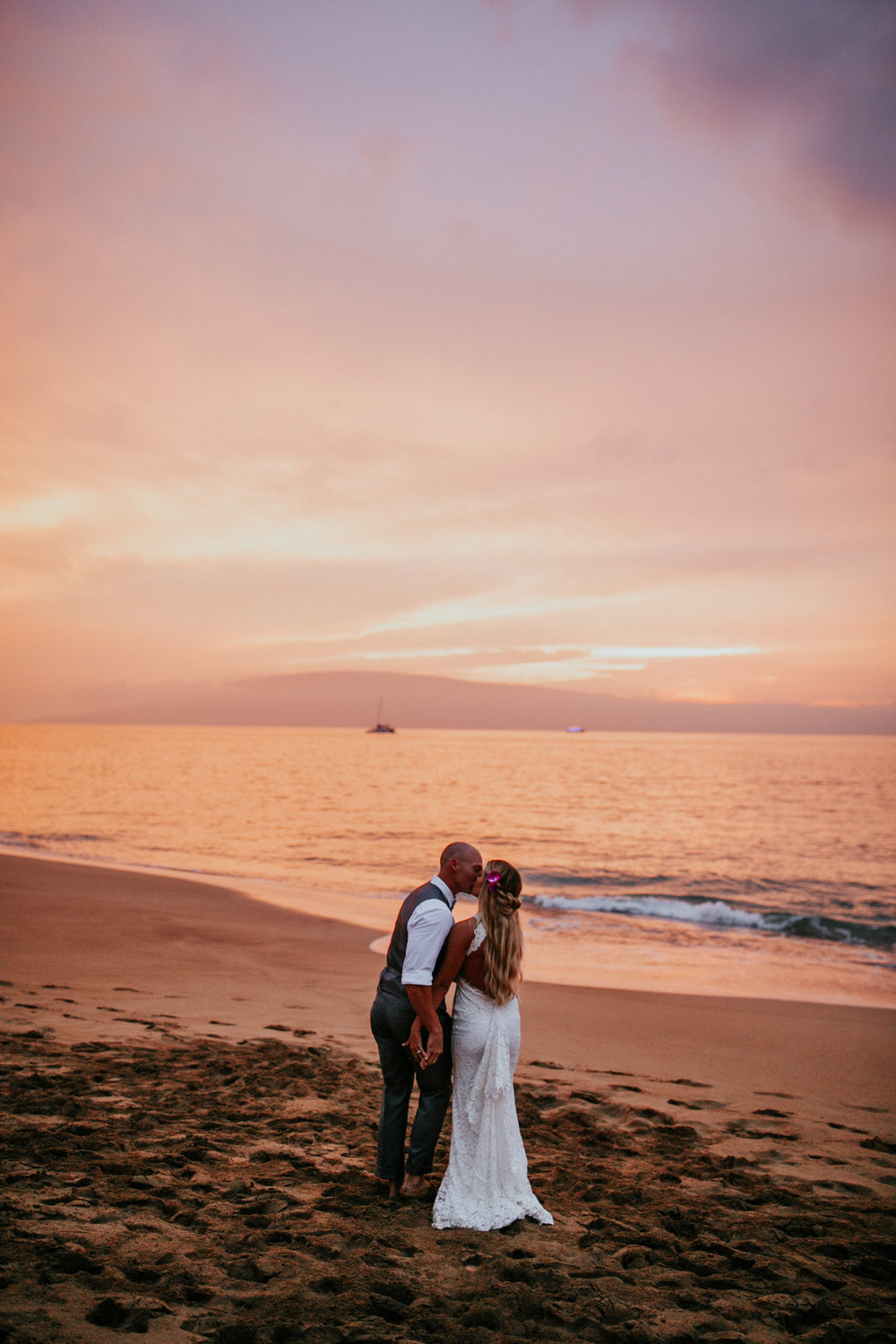 destination-wedding-photographer-hawaii-maui-elopement-106.jpg